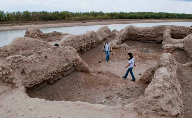 Ancient city of Saraychik under the threat of disappearance